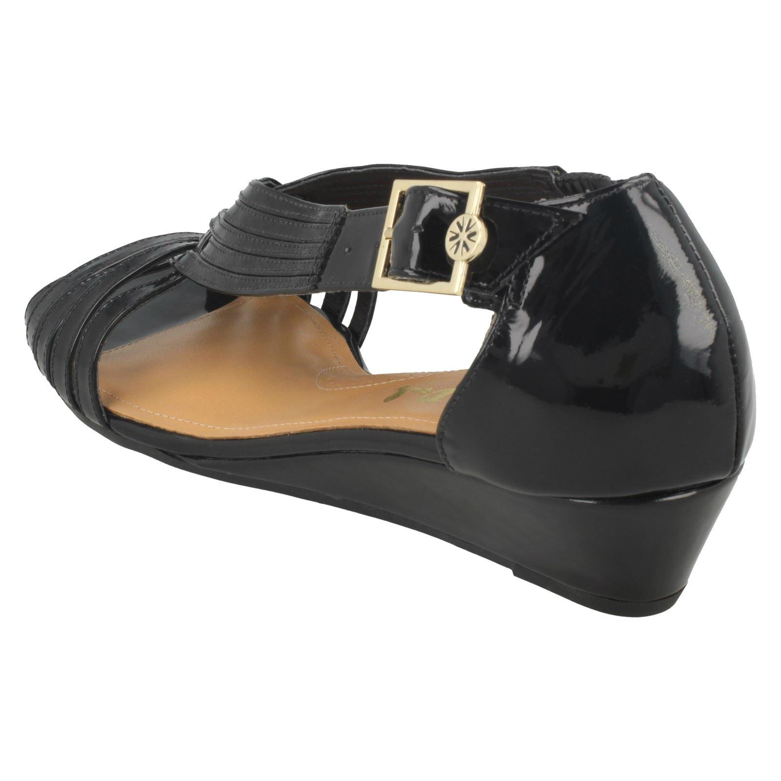 Ladies-Van-Dal-Wedge-Strappy-Sandals-Lucie thumbnail 4