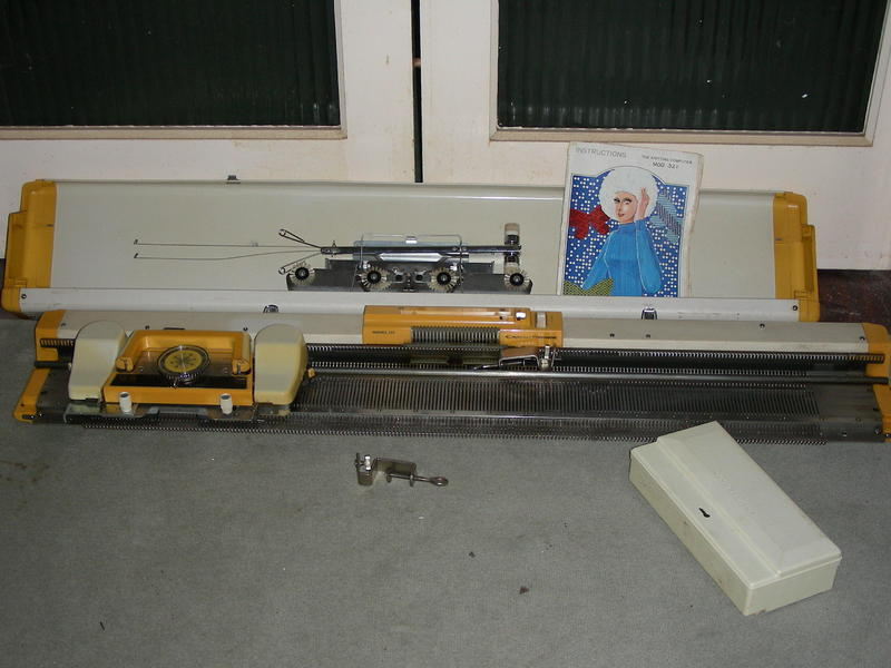 Empisal Knitmaster 321 Knitting machine. in Seaview - Sold   Wightbay
