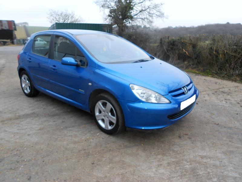 peugeot 307 sport 1 6 cc in electric blue 5 door hatch full mot on purchase in newport isle. Black Bedroom Furniture Sets. Home Design Ideas