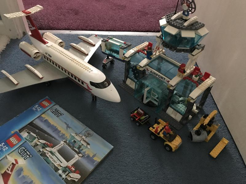 Lego City Airport 7894 Newport Isle Of Wight Expired Wightbay