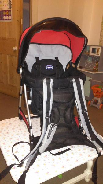 4078c2280e3 Chicco caddy child carrier backpack - Newport Isle of Wight - Expired