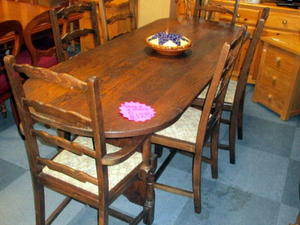 Dining table & 6 chairs £125 in Cowes