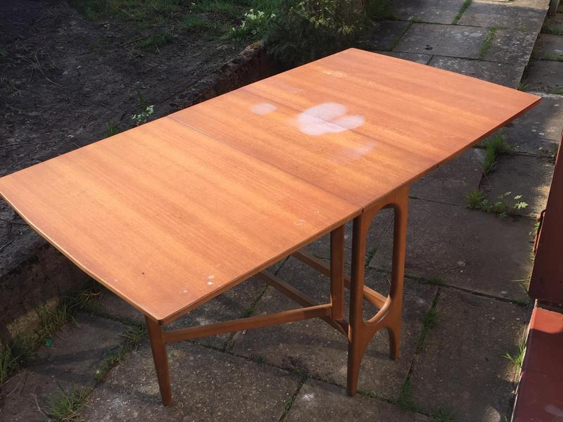 wooden fold out dining table in ryde expired wightbay. Black Bedroom Furniture Sets. Home Design Ideas