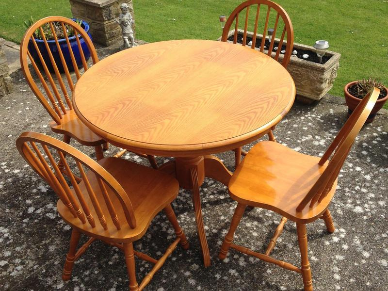MFI Dining Table And Chairs Set In Freshwater
