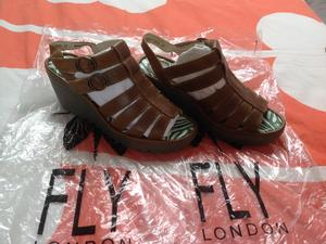 06eb304daed2 FLY LONDON BROWN SANDALS SIZE 37 in Sandown
