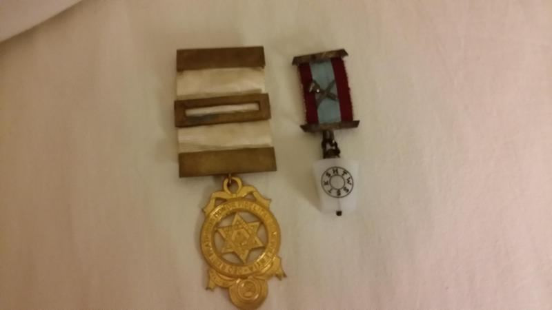Two vintage masonic medals - Sandown | Wightbay