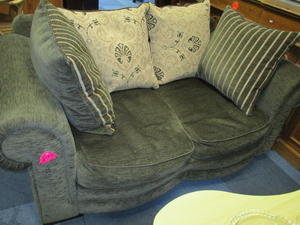 Sofa £95 in Cowes