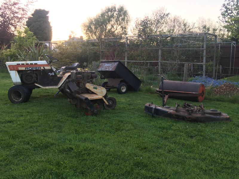 Roper Garden Tractor with Implements - Freshwater | Wightbay