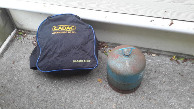 Cadac Adventure To Go.Cadac Bbq With Campgas 907 Bottle In Totland Bay Expired Wightbay