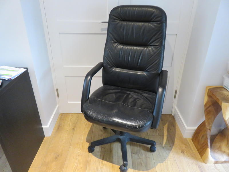 Black Executive Swivel Office Chair High Back Wide Seat