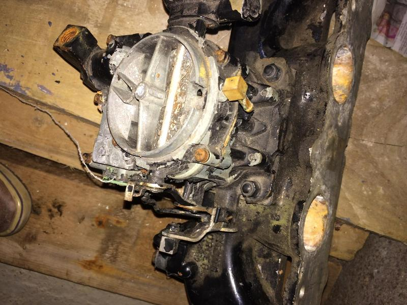 Mercruiser 470 Carburettor and inlet manifold in Ryde | Wightbay