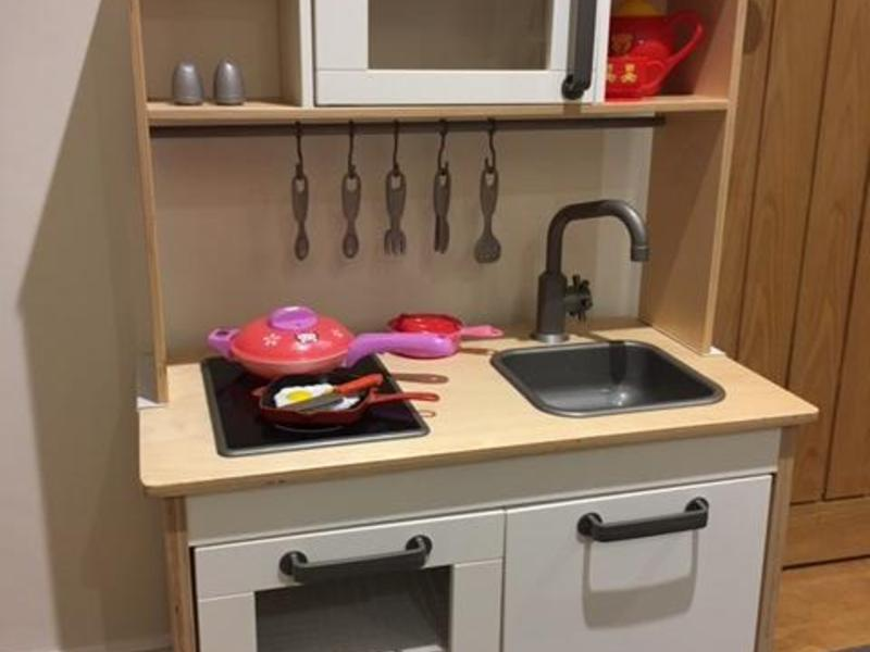 Ikea play kitchen ryde wightbay for Ikea child kitchen set