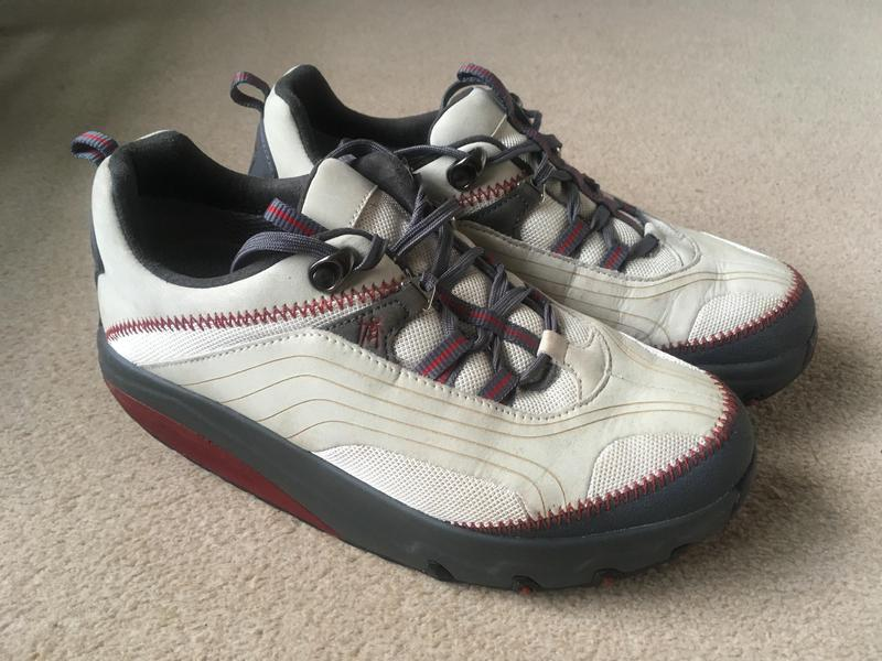 1aaf09450721 Ladies MBT trainers Size 5.5 As new - Cowes