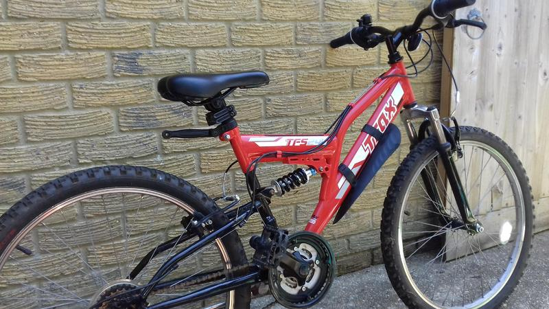 Boys Red Trax Halfords Bicycle TFs24 - Newport Isle of Wight - Sold