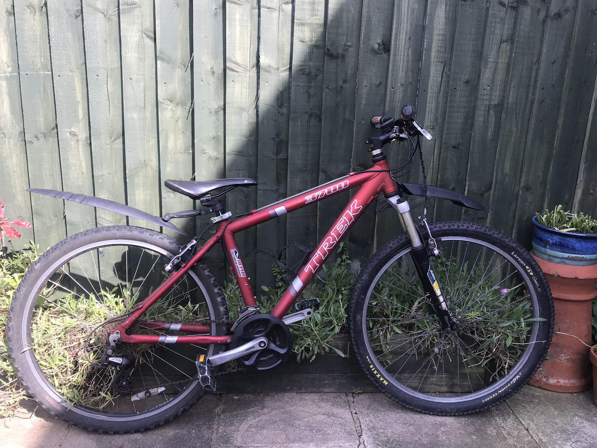 5e7e1679e42 Trek 3700 suspension Mountain Bike Kids Junior - Shanklin - Expired |  Wightbay