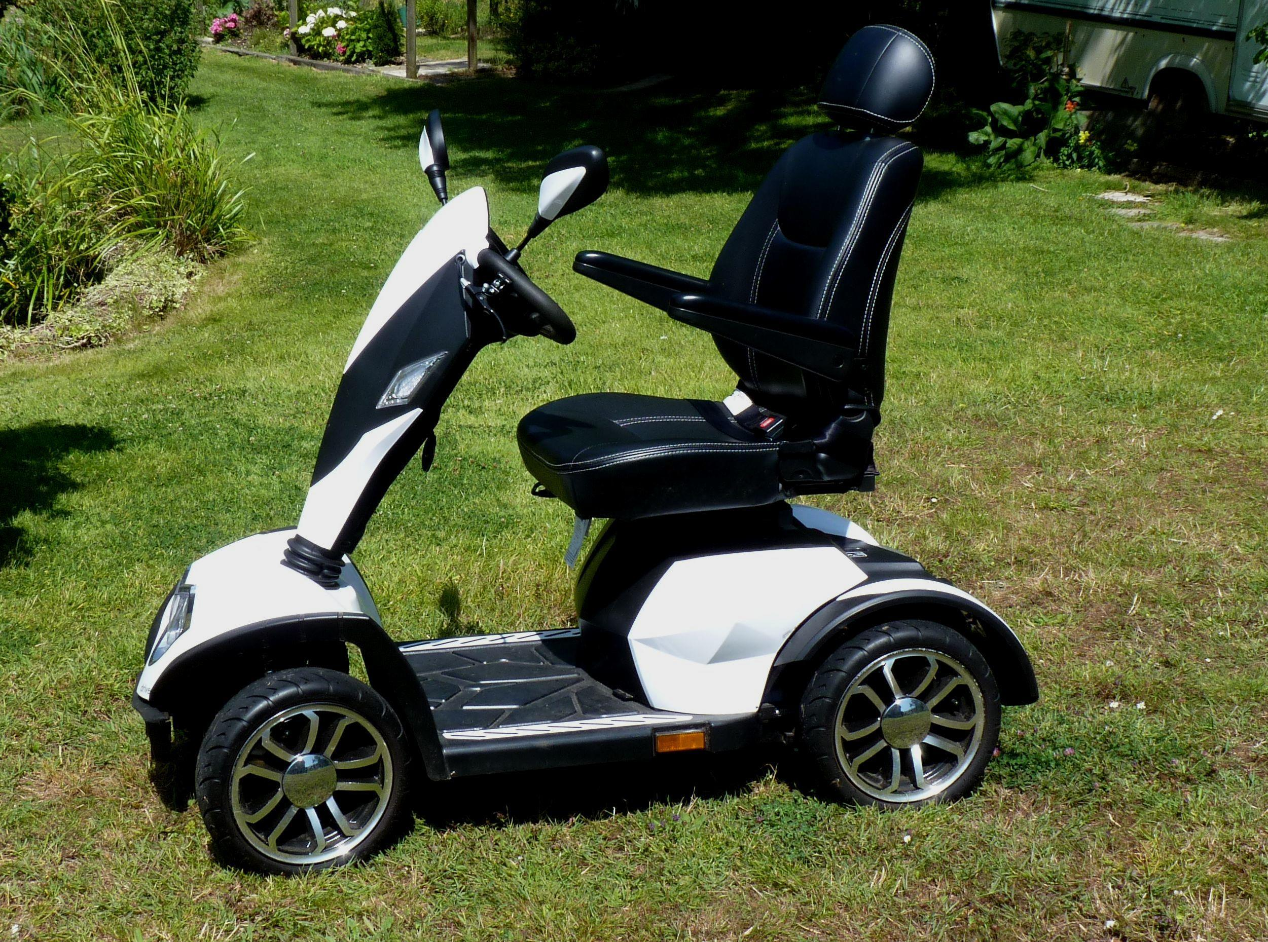 COBRA MOBILITY SCOOTER - IMMACULATE - Cowes | Wightbay