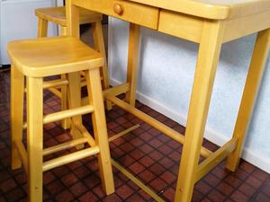 separation shoes f1edf c20d0 LAURA ASHLEY BROMPTON OAK BREAKFAST CONSOLE & 2 STOOLS in ...