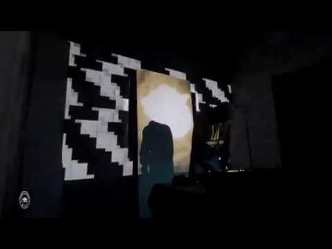 Performance visuelle avec vidéo mapping pour concert sur Facebook