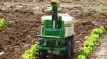 Premier robot de désherbage en cuma en France, dans la Drôme - Entraid