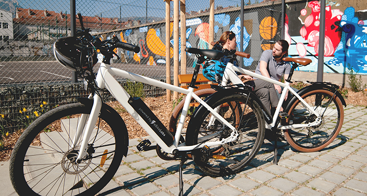 Faites du vélo électrique un moyen de transport abordable pour tous et réduisez la pollution automobile en ville.