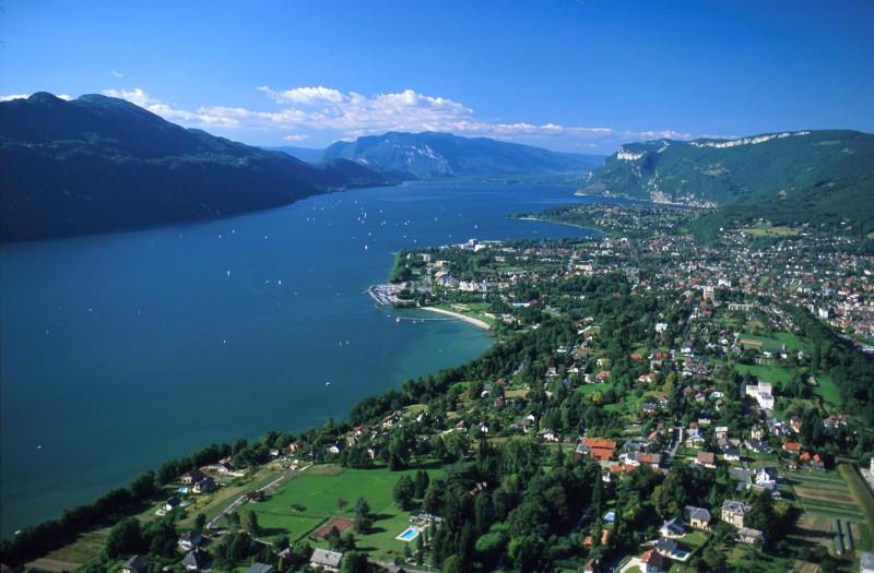 Panorama du lac du Bourget