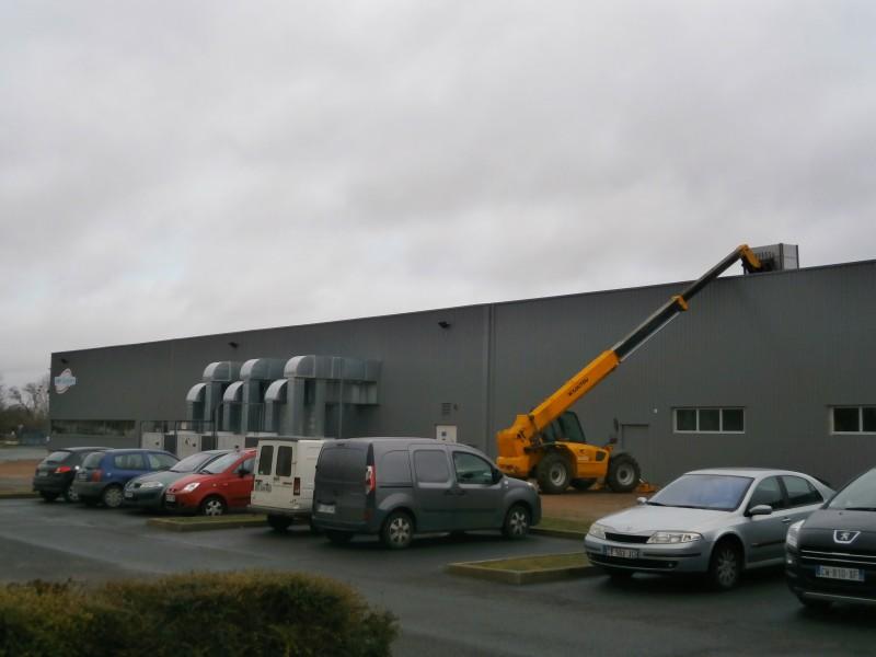 Début de chantier LNFE pose des premiers panneaux