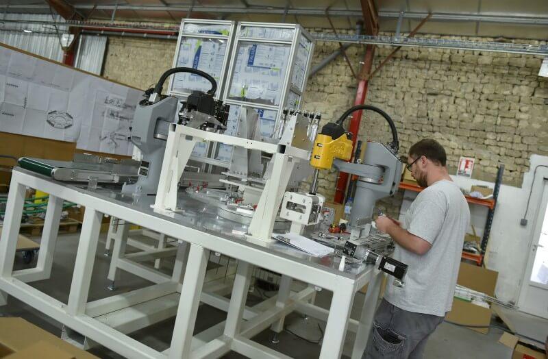 Montage dans notre atelier de production à Dorgeville
