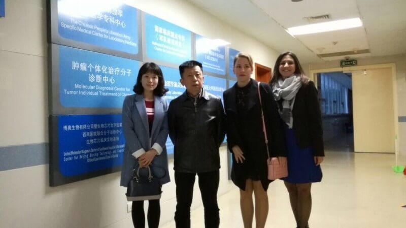 Pr Weiling Fu et Dr Zhang Yang du Third military Medical University (TMMU), Chine