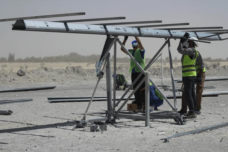 Tracker 1,5 axe UAE Enerwhere Al Dhafra mounting