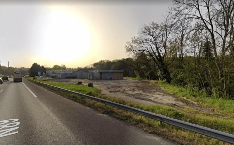 Terrain et bâtiments à démolir