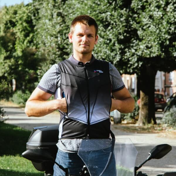 Gilet Chill Ride masculin porté