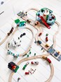 BRIO 33204 Parking Garage 33204 7 Piece Wooden Railway Set - Great Value