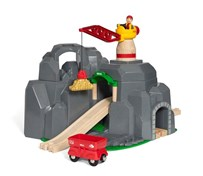 BRIO Crane & Mountain Tunnel 33889 7 Piece Wooden Train Set - Great Value | 33889