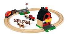 BRIO Farm Railway Set 33719 with Barn, Train, Tractor and Cow | 33719