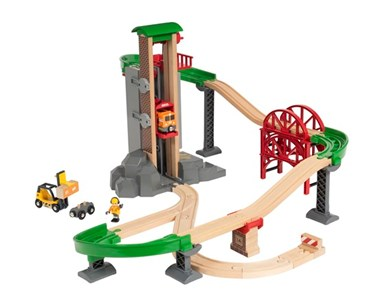 BRIO Lift & Load Warehouse Set 33887 32 Piece Wooden Raiway Set - Great value