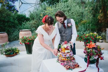 Mediterranean holiday vibe wedding at Eden Project by Alexa Poppe