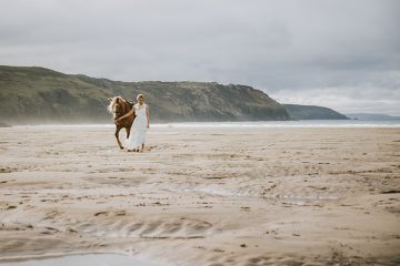 bridal beach horse shoot