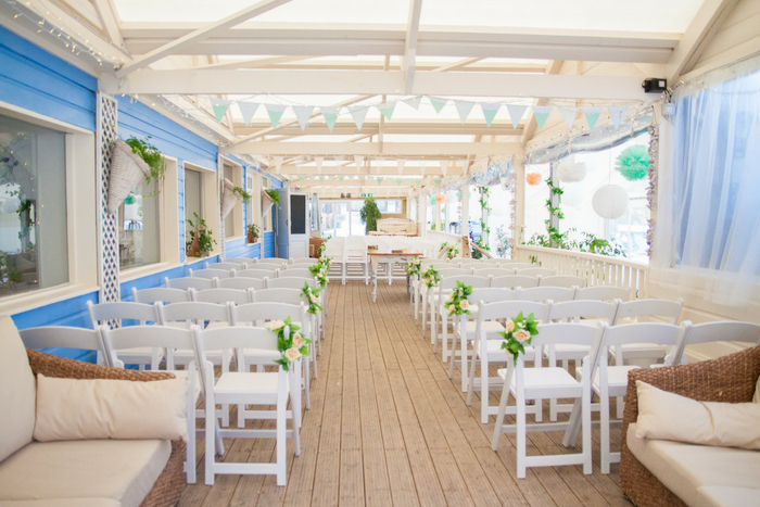 Lovely Lusty – the perfect beach wedding venue.