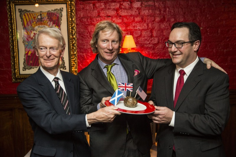 Boisdale campaign present haggis to US embassy