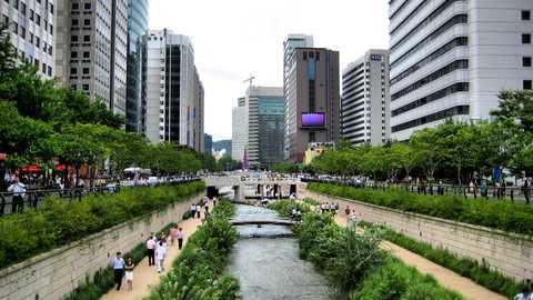 Cheonggyecheon stream things to do seoul 196 480 270