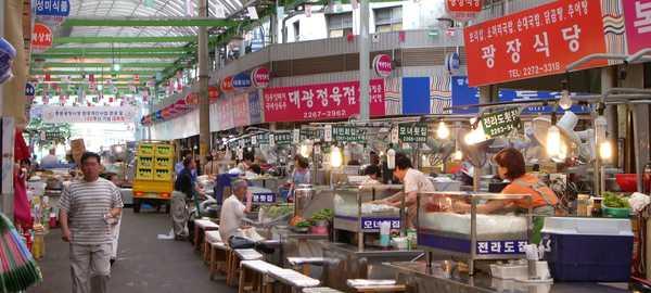 Dongdaemun market things to do seoul 213 600 270