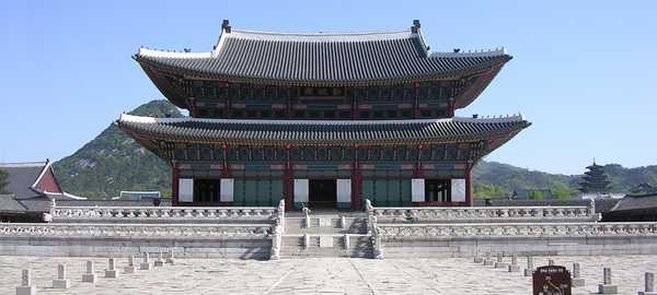 Gyeongbokgung palace things to do seoul 199 600 270