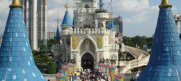 Lotte world things to do seoul 217 600 270