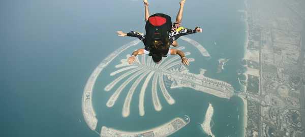 Skydiving things to do dubai 85 600 270