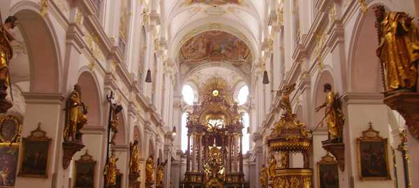 St peter s church things to do munich 13 600 270