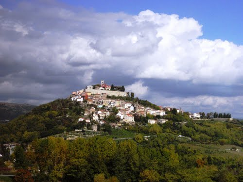 Photo of Motovun in the TripHappy travel guide