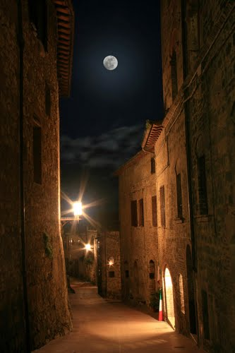 Photo of San Gimignano in the TripHappy travel guide