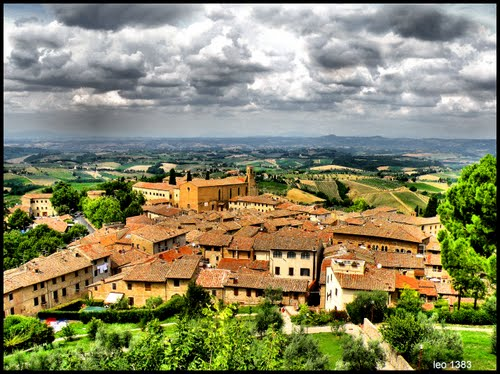 Featured medium photo of San Gimignano on TripHappy's travel guide