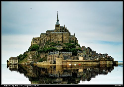 Photo of Mont Saint-Michel in the TripHappy travel guide