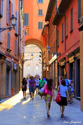Photo of Bologna in the TripHappy travel guide